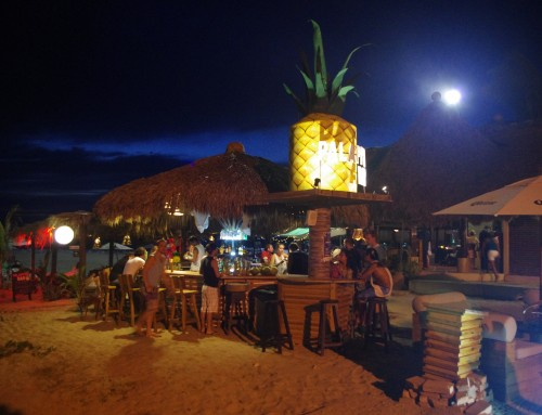 Palapita Bar – Drinks In The Middle of Playa Zicatela in Puerto Escondido